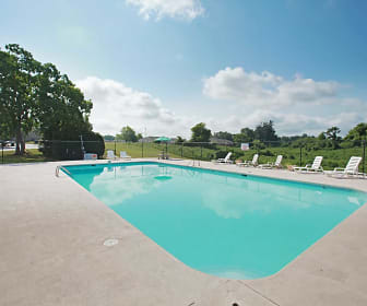 Pool, Millbrook Pointe