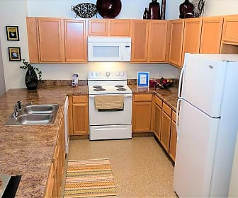 Kitchen, Pinnacle Pointe Apartments