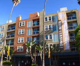 Hollywood Place, Laurel Canyon, Los Angeles, CA