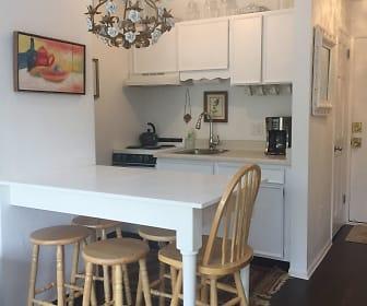 Dining Room, 725 E Main St