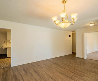 6711 N Farris Ave, Pinedale, CA