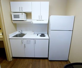 Furnished Studio - Bakersfield - California Avenue, Central Bakersfield, Bakersfield, CA