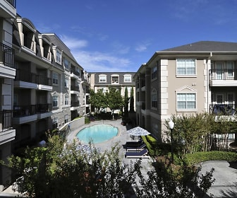 Pool, Residences 2727