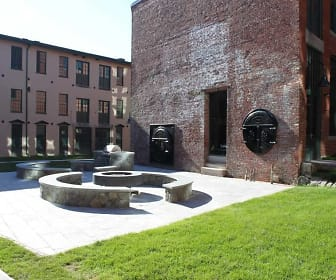Courtyard, Junction Shop Lofts