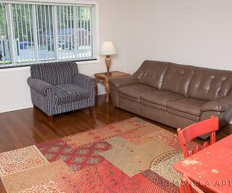 Elm Villa Apartments_APT 101_1.jpg, 208 South Elm St