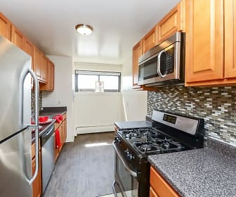 Kitchen, Riverside Towers Apartment Homes