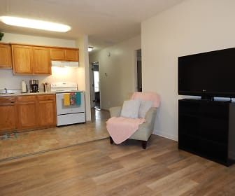 Kitchen, College Pointe - per bed lease