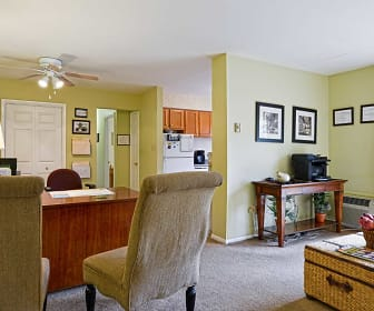 Mill Run Apartments, Emmaus, PA