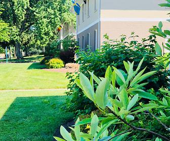 Double Tree Apartments, Eastland Parkway, Lexington, KY