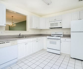 Kitchen, The Mews at Annandale Townhomes