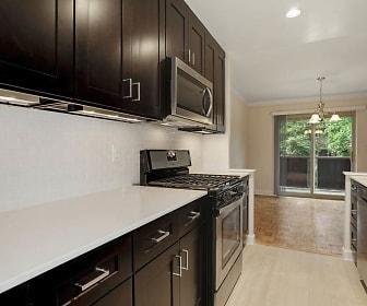 Kitchen, Hamilton Court Apartments