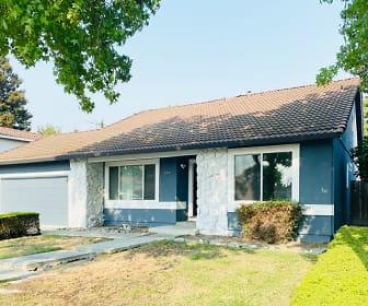 844 Poplar Ave, Cupertino, CA
