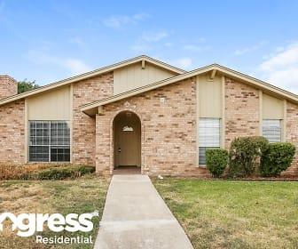 2021 Glenbrook Meadows Dr, Glenbrook, Garland, TX