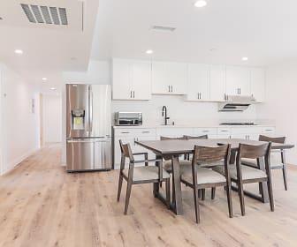 1545 W 36th Place, Oakwood, CA