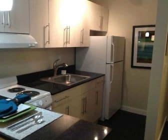 Kitchen, Flats On Frankfort Apartments