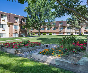 Pine Crest Apartments, Colorado Springs, CO