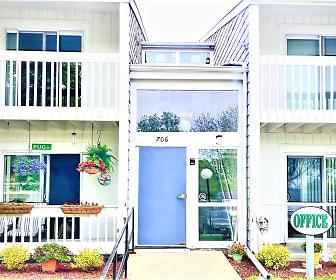 Cedar Green Apartments, 53566, WI
