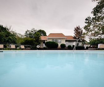 Pool, Terrace Oaks