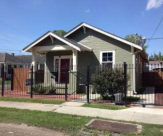8841 Green Street, River Ridge, LA