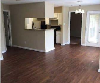 Woodhollow Apartments, Reicher Catholic High School, Waco, TX