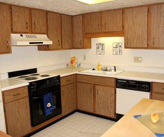 Kitchen, Braeburn Village Apartments Of Indianapolis