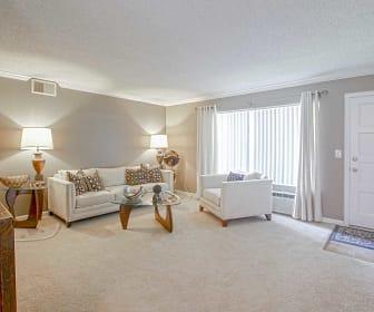 Living Room, Twin Oaks & Los Robles