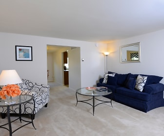 Living Room, Walnut Grove Townhomes