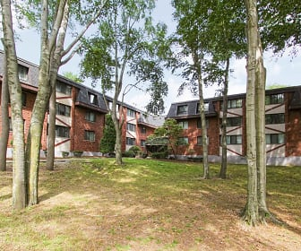 Woodcliff Estates, Lincoln Academy Regional Interdistrict Collaborati, East Hartford, CT