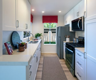 Kitchen, Woodbridge Pines