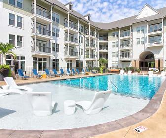 Pool, The Kessler