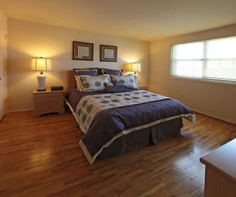 Bedroom, Foxridge Townhomes