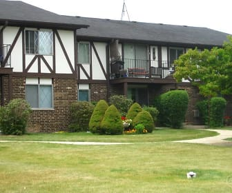 Camelot Apartments, Washington Middle School, Kenosha, WI
