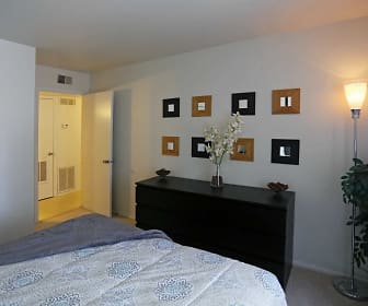 Arbor West Apartments, Edgelawn Randall, Aurora, IL