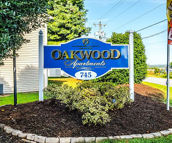 Oakwood Apartments, Hickory, NC