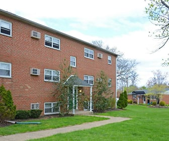Levittown Trace Apartments, Levittown, PA