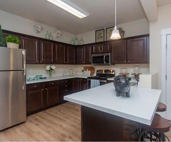 Kitchen, Meadows at Park Avenue Apartments