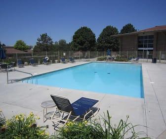 Pool, Grandridge