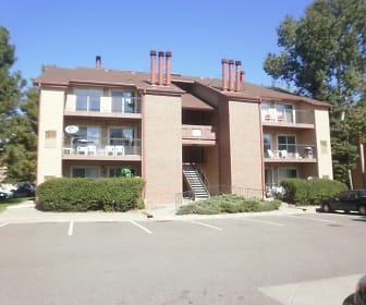 4899 S. Dudley St., Lakewood, CO