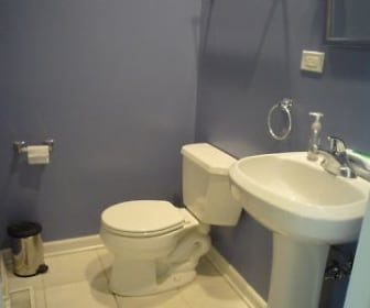 Bathroom, 4944 N Kimball Ave Apt 2W