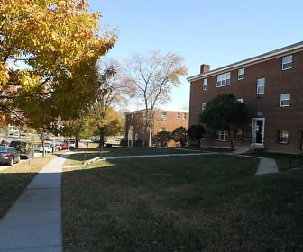 Courtyard, Roland Park Apartments