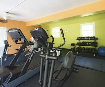 Fitness Weight Room, Cross Creek Apartments