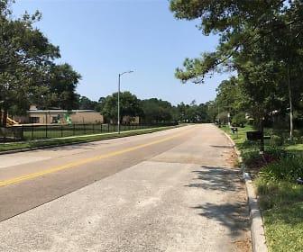 3607 Brook Shadow Dr, Kingwood High School, Kingwood, TX
