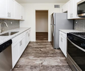 Kitchen, Towers Of Windsor Park Apartment Homes