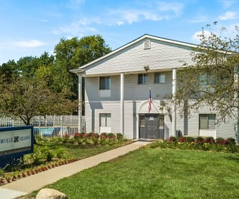 Bloomfield Square Apartments, Avondale High School, Auburn Hills, MI