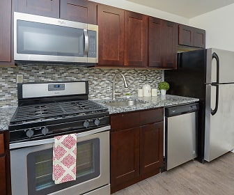 Duncan Hill Apartments & Townhomes, Westfield, NJ