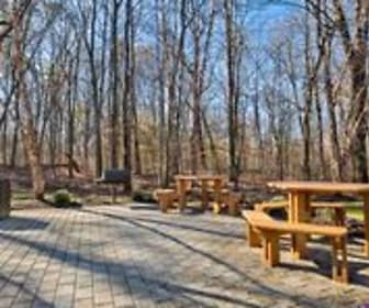 Clubhouse & BBQ Area, Mill Pond at Franklin Lakes