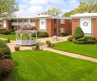 Brook Forest Apartments, Elmhurst College, IL
