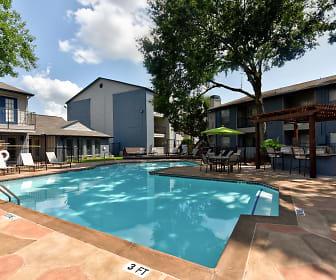 Pool, Huxley at Medical Center