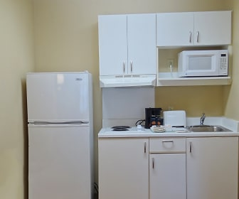 Kitchen, Furnished Studio - Wilkes-Barre - Hwy. 315