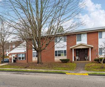 Crestwood Park I Senior Apts, Benjamin Franklin Elementary School, Meriden, CT